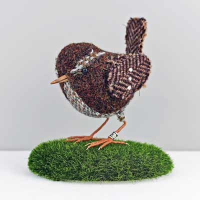 bird sculpture wren
